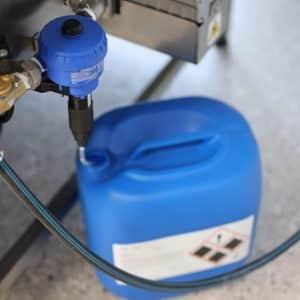 Teilewaschanlagen mit Chemiedosierer