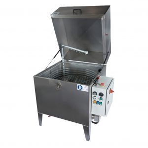 Die Heißwasser Teilereinigungsanlage L800FP ist für die Anforderungen im KFZ-und Werkstättenbereich abgestimmt